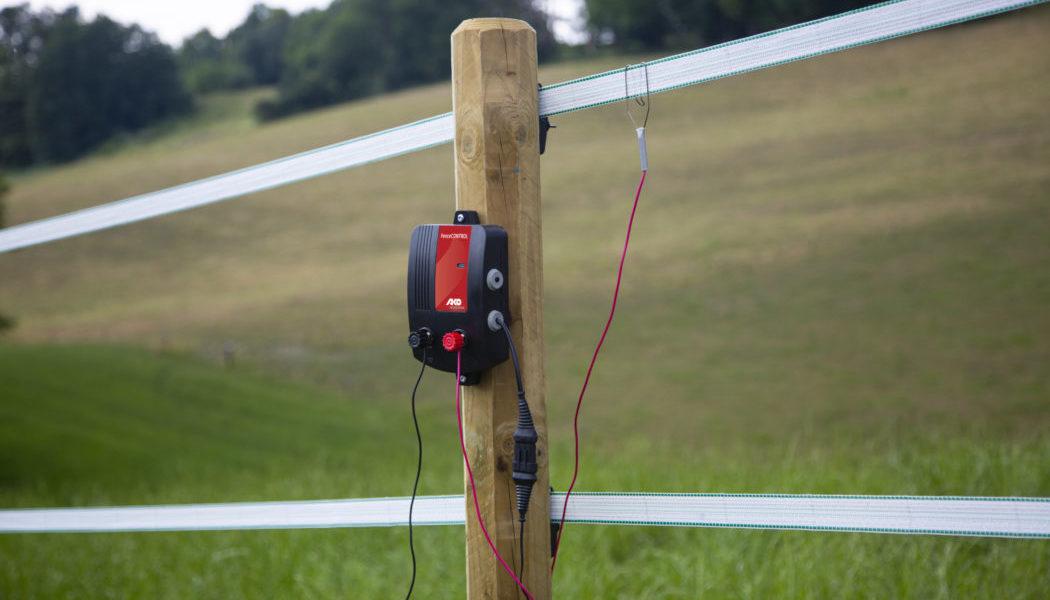 441122-9-1050x700 Fence-Control am Holzpfahl mit Weidezaunband Fence-Control am Holzpfahl mit Weidezaunband