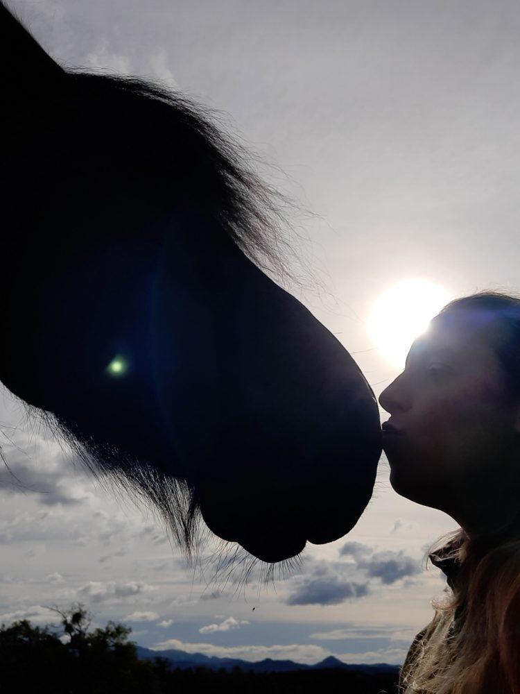 Sun - Kiss